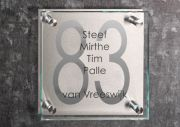 Glazen naambord met RVS 20 x 20 cm