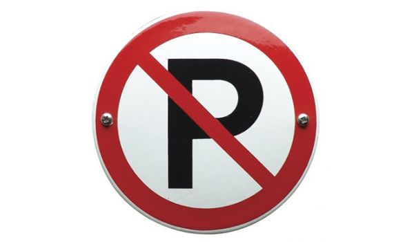 "Verbodsbord ""parkeren verboden"""