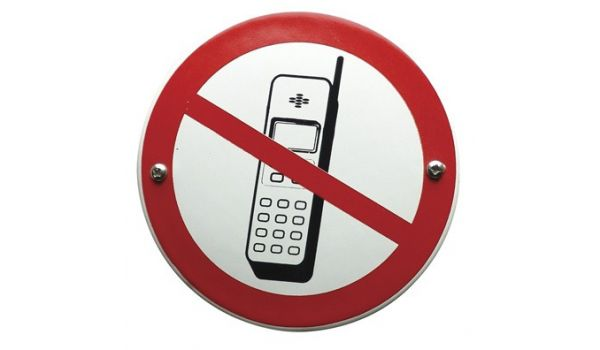 "Verbodsbord ""mobiele telefoons verboden"""